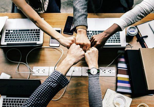 שיפור התקשורת בין העובדים